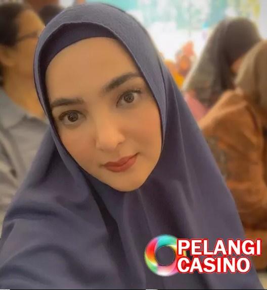 Ashanty Kenakan Hijab Azriel Hermansyah Mohon Agar Tidak Dilepas